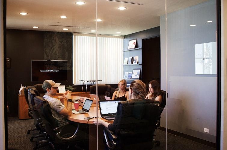 Pourquoi isoler phoniquement les salles de réunion ?