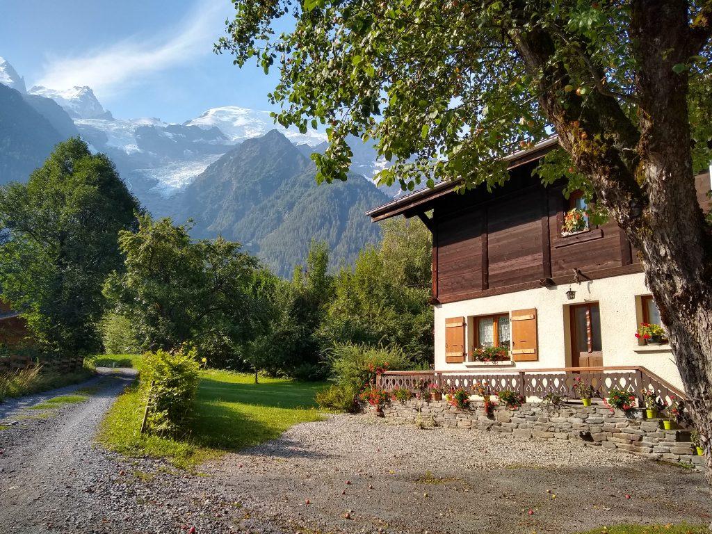 Maison à la campagne proche de la montagne