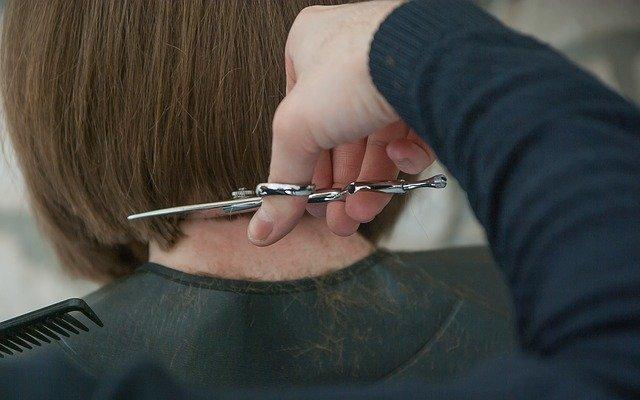 Pourquoi se lancer dans la coiffure à domicile plutôt qu'en salon ?