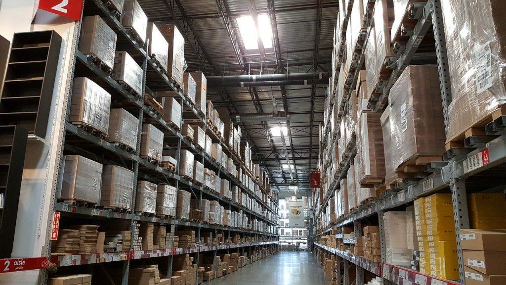 entrepôt logistique de stockage